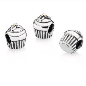 Accessories - Cupcake Charm